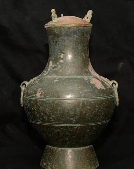 盛放古酒的铜壶
