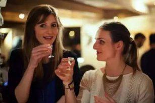 女人能喝白酒吗?女人喝白酒都有什么好处