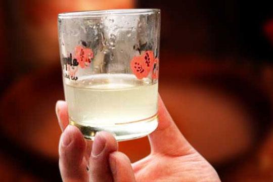 白酒为何会出现沉淀物