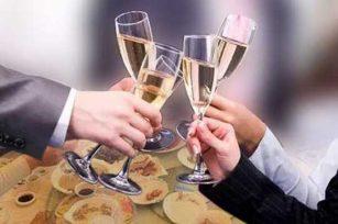 年末聚会喝酒时需要注意哪些事项?