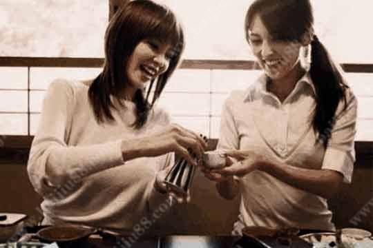 日本人在饮酒的时候都注重哪些礼仪