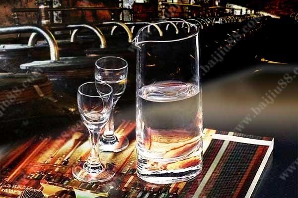 窖龄酒、年份酒、陈酒、新酒以及酒标的区别