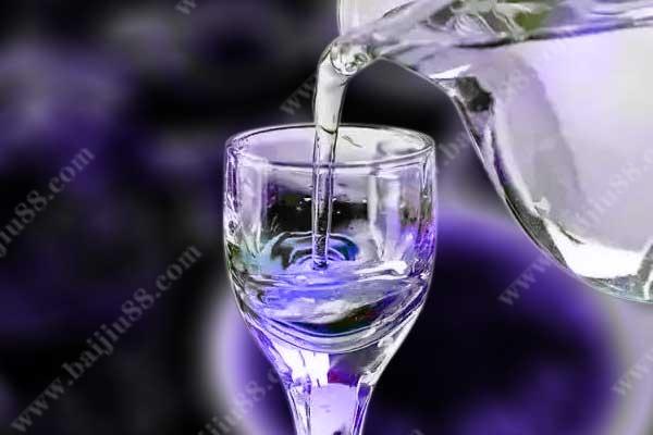 如何辨别纯粮酒和勾兑酒