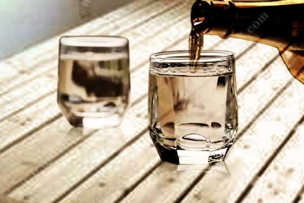 如何区分酱香白酒中的新酒和陈酒