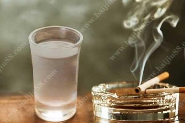 抽烟喝酒对人的寿命有没有影响?