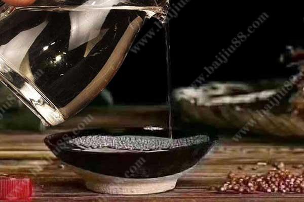 市面上的酱香型白酒是不是都差不多