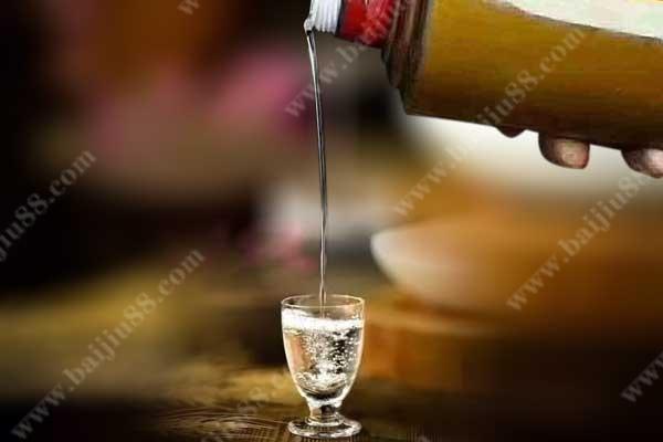 酱香型白酒是勾兑的吗