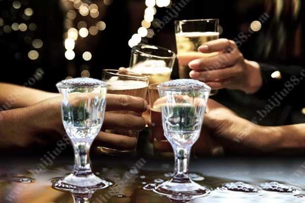 为什么喝酒越来越清醒