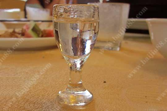 夏季喝白酒的五大禁忌