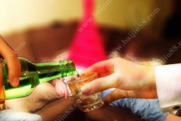 老公爱喝酒怎么治他