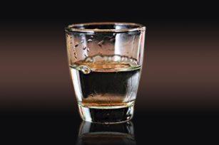 白酒的挂杯度怎么看?挂杯度好的白酒是好还是不好
