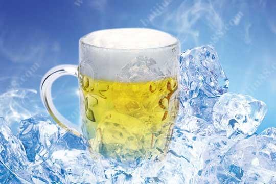 夏季喝冰镇啤酒好还是白酒好