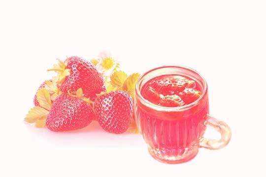 草莓是怎么酿成酒的?