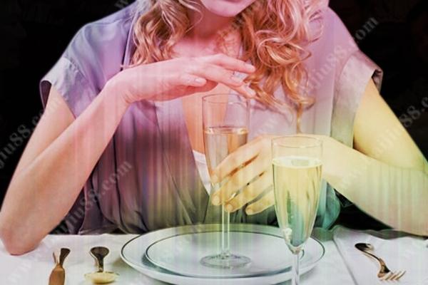女生喝多少白酒会醉