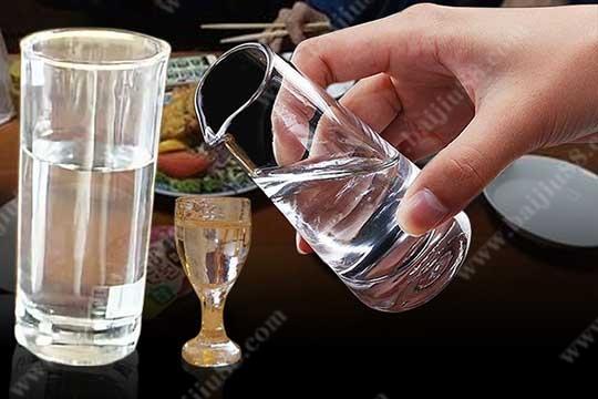 白酒兑水会怎么样?白酒兑水好不好呢?