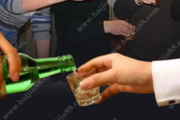 为何喝酒的男人比较受人尊敬