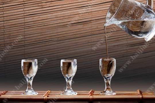 38、42、52度的白酒到底哪种喝起来更健康