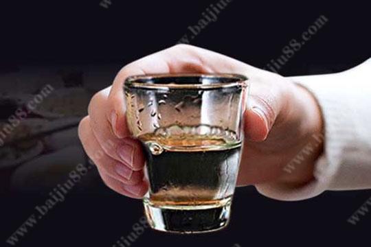 带您了解一下喝白酒的禁忌