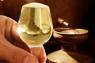 """""""暴力黄""""只适用于酱香酒-那么酱酒的黄到底是怎样的呢?"""