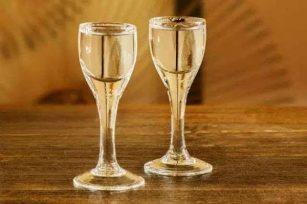 买白酒的时候不要被这五个点迷惑了,买酒不应该纠结的五大点