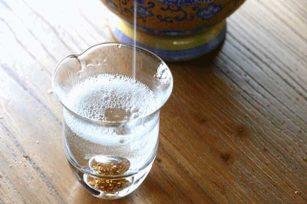 怎么通过拉酒线来看酒水的质量?拉酒线的方法能不能看出质量