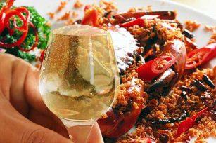 吃螃蟹时能不能喝酒?吃螃蟹喝什么酒好呢?