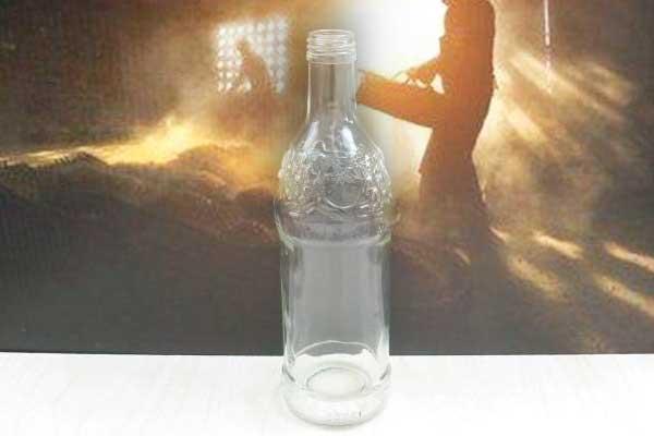 酱香酒为什么不能用玻璃瓶装