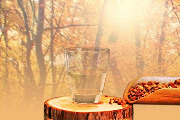 秋季喝白酒的四大好处