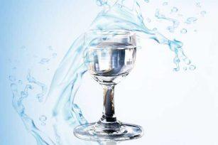 """都说""""水为酒之血""""酿制好酒必定需要好水,那用什么水才能酿好酒"""