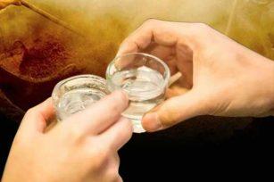 头次喝大曲酱香酒为什么会难以下咽是什么原因引起的